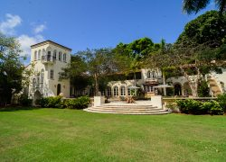 Inside the La Brisa mansion with CBS12 News